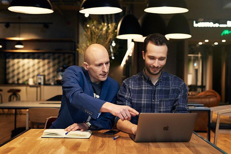 Tworzenie oprogramowania MLM dla biznesu